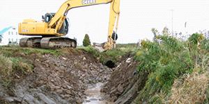 Creuser, canaliser, modifier le tracé ou remblayer le cours d'eau